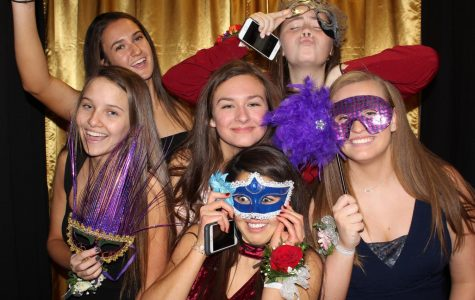 Sophomores masquerade at first school dance