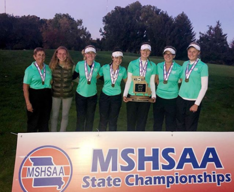 Photo courtesy of Kara Kieffer.  The Varsity Golf Team after winning state. Pictured (from left to right), Coach Carol Fromuth, Isabella Arro, Mia Rallo, Nicole Rallo, Lauren Gallagher, Grace Aromando, and Drew Nienhaus.