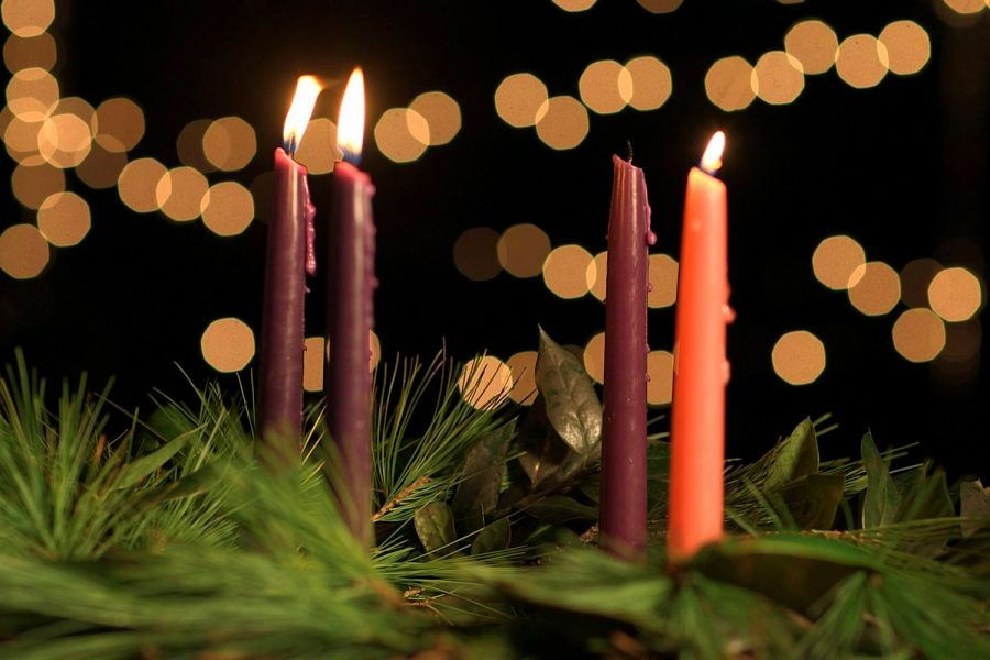 Campus+Ministry+takes+on+Advent