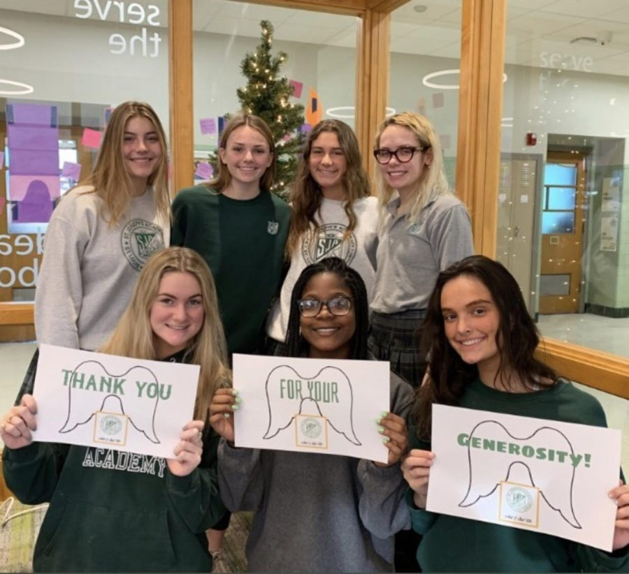 2019 juniors showing their appreciation on Giving Tuesday