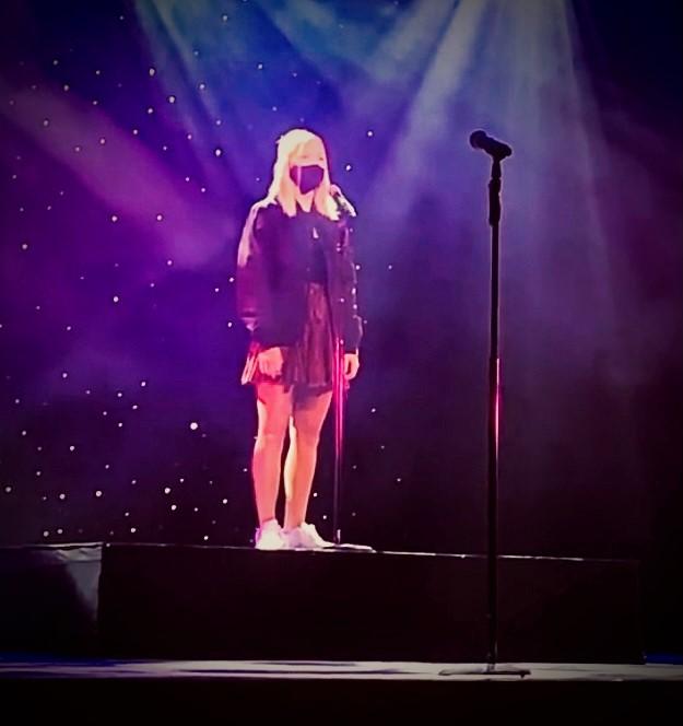 Natalie McAtee '23 sings